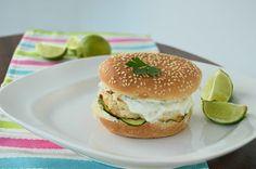 Bimby & Sabores da Vida: Hambúrgueres de Frango com Molho de Iogurte