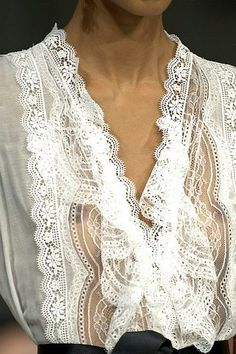 D & G lace A beautiful white lace blouse. Worth investing in. You'll always reach for it! Chiffon, Fashion Details, Fashion Design, Pearl And Lace, Glamour, Linens And Lace, Mode Vintage, White Shirts, Lace Shirts