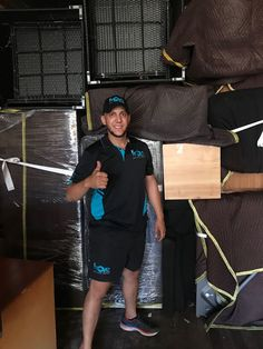 At iMove Group, our expert in will effortlessly handle your entire interstate move. We offer door-to-door removal services to make sure a stress-free move all across Australia.