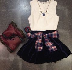 Crop top+ high wasted skirt+ plaid shirt+ boots