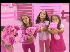 <3 <3 song about pink!