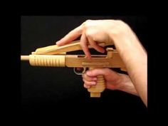 "MP40 ""Schmeisser"" Rubberband Gun - YouTube"