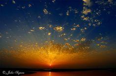"""PROOF THAT """"GOD"""" IS A GATOR FAN....THE SKY IS ORANGE & BLUE"""