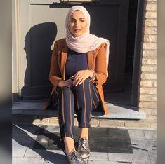 Casual hijab outfit, hijab chic, hijab fashion summer, fashion outfits, m. Muslim Women Fashion, Modern Hijab Fashion, Hijab Fashion Inspiration, Modest Fashion, Modest Wear, Modest Outfits, Chic Outfits, Fashion Outfits, Casual Hijab Outfit