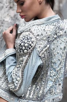 Ideas Embroidery Jeans Jacket Beautiful For 2019 Fashion Mode, Denim Fashion, Look Fashion, Couture Fashion, Fashion Outfits, Womens Fashion, Fashion Trends, Boho Outfits, Fashion Bloggers