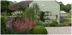 Claudia De Yong Garden Designer UK