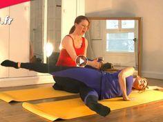 Voici un exercice de Pilates minceur qui fait chauffer les muscles de la taille, des fesses et des cuisses. Idéal donc pour fondre !