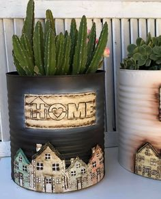 Recycled Tin Cans, Recycled Crafts, Flower Pot Art, Flower Pots, Tin Can Crafts, Crafts To Make, Vasos Vintage, Fondant Dog, Mason Jar Herbs