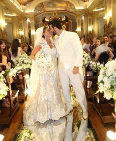 Noivas Reais  Nova Noiva  Andressa  #eusounovanoiva #novanoiva #bride #estilistagiosantos #casamento #engaged #casando #bridal #noiva #weddingdress #noivos #bridetobe #casar #universodoscasamentos #inspirandonoivas #weddingphotography #weddinginspiration #noivasdobrasil #noivas2016 ##sayyestothedress #vestidosdeNoiva #instabride #casei #weddinginspiration #noivasreais #vestidodossonhos #personalstylist #weddingblog #sonhorealizado #weddings @novanoiva