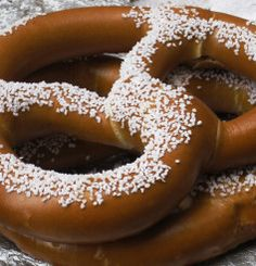 Nestlé is the world's leading Nutrition, Health and Wellness company. Pretzels, Food Dishes, Doughnut, Health And Wellness, Sweet Treats, Nutrition, Chocolate, Cooking, Desserts