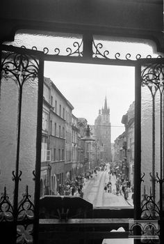 Krakow Poland, Old City, Belle Epoque, Planet Earth, Old Photos, Planets, Maine, Beautiful Places, Culture