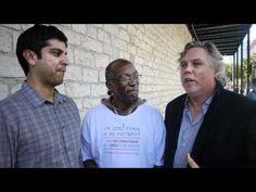 Mark Horvath Interviews a Homeless Hotspot Vendor at SXSW