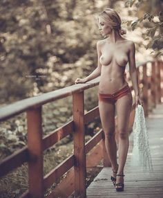 Sexy Sensual & The Beauty Of Everything! Fit Women, Sexy Women, Femmes Les Plus Sexy, Erotic Photography, Jolie Photo, Belleza Natural, Girl Photos, Gorgeous Women, Beauty Women