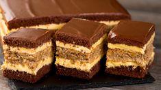 The Best Carrot Cake Recipe [video] - Sweet and Savory Meals Dessert Cake Recipes, Dessert Drinks, Sweets Recipes, Healthy Desserts, Date Recipes Baking, Romanian Desserts, Romanian Food, Desserts Sains, Best Carrot Cake