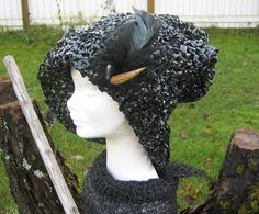 Handmade, crochet worked with video tape for a hat. Embellishment is an old vintage brosch. Crafts To Make, Embellishments, Tape, Wreaths, Halloween, Crochet, Handmade, Vintage, Ornaments