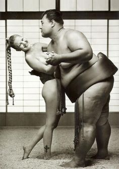 Drew Barrymore dancing with a sumo wrestler Drew Barrymore, Victor Hugo, Herb Ritts, Foto Fashion, Thing 1, Actors, Fine Art, Sensual, Belle Photo