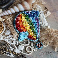 """Броши ручной работы. Ярмарка Мастеров - ручная работа. Купить Вышитая брошь """"Воздушный шар"""". Handmade. Вышивка бисером, разноцветный"""