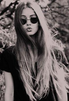 senior portrait style with long straight hair