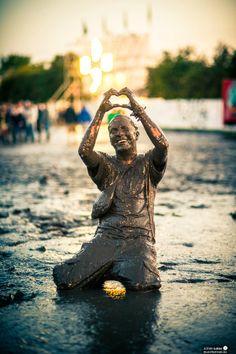 #mud #fight at #dour #festival http://festkt.co/MMSL1b