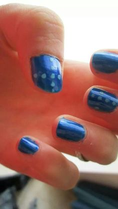 #ModE #me #roberta #nails #unghie #blu #azzurro #pois #croce   Seguimi, follow me: www.facebook.com/pages/ModE/40443306661391