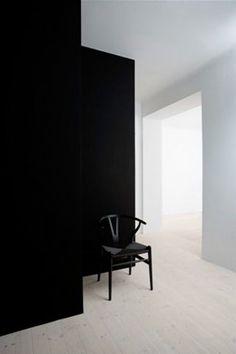 black and white interior Decor Interior Design, Modern Interior, Interior Architecture, Interior And Exterior, Furniture Design, Interior Decorating, Color Interior, Black And White Interior, Black White