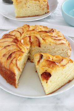 Delicious cake with apple yoghurt, melting and soft as desired. This is the classic yogurt cake recipe in which apples are added. Easy to do and remember. So simple you can do it with kids. Thermomix Desserts, Ww Desserts, Healthy Desserts, Dessert Recipes, Healthy Recipes, Healthy Apple Cake, Healthy Yogurt, Apple Recipes, Sweet Recipes