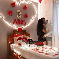 Romantic Valentine's Day Bedroom Decor For Your Lovely Romantic Room Surprise, Romantic Birthday, Romantic Night, Romantic Dinners, Romantic Gifts, Diy Birthday, Romantic Ideas, Birthday Surprise Boyfriend, Anniversary Surprise