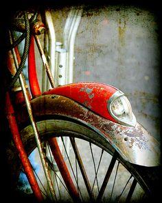Isaac's Red Bike from his childhood. Mud Vein by Tarryn Fisher Velo Retro, Velo Vintage, Vintage Cycles, Vintage Bikes, Old Bicycle, Bicycle Art, Old Bikes, Bicycle Design, Bicycle Drawing