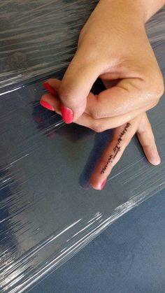 Dedo tatuado