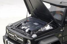 AUTOART 1/18 SCALE MERCEDES BENZ G63 6X6 BLACK COMPOSITE DIECAST MODEL 76302