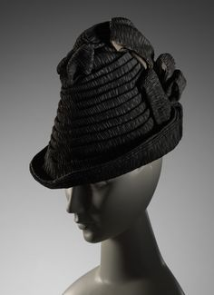 ENGLAND 'Hat' (c. 1887). cotton 74.0 cm (outer circumference); 22.5 cm (height); 19.0 cm (width). The Schofield Collection. Purchased with the assistance of a special grant from the Government of Victoria, 1974 #millinery #judithm #hats black crepe?