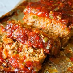 May 2020 - Sausage and Peppers Meatloaf is an easy meatloaf recipe using two pounds of mild Italian sausage meat and loaded with diced green peppers, red peppers and onions all in a sweet and spicy tomato sauce. Easy Meatloaf, Meatloaf Recipes, Meat Recipes, Sausage Recipes, Meatless Meatloaf, Italian Meatloaf, Homemade Meatloaf, Dinner Recipes, Cooking Recipes