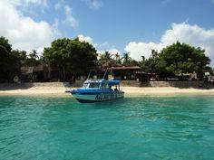 Beautiful Island.    I went to this island for lunch.    美しい島。  この島に、ランチを食べに行きました。