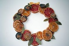 Old fashioned Christmas wreath [dried fruit wreath photo] Christmas Ornaments To Make, Christmas Mood, Homemade Christmas Gifts, Christmas Wreaths, Christmas Decorations, Christmas 2019, Christmas Ideas, Xmas, Fruit Crafts