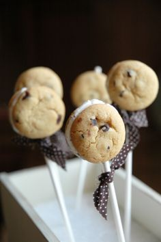 I don't know how this is possible, but I'm willing to try it out so I can eat them! Mini Ice Cream Cookie Pops