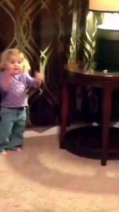Crazy Funny Videos, Cute Funny Baby Videos, Funny Baby Memes, Cute Funny Babies, Super Funny Videos, Funny Videos For Kids, Crazy Funny Memes, Really Funny Memes, Haha Funny