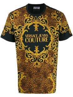 Black cotton logo print T-shirt from Versace Jeans featuring a round neck, short sleeves and a front centre logo stamp. Versace T-shirt, Versace Jeans Mens, Versace Logo, Versace Jeans Couture, Boss T Shirt, Tee T Shirt, Hugo Boss, Lacoste, Cotton Logo
