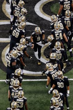 Drew Brees comin down da tunnel!!""