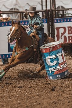 Find the latest styles in cowboy boots & hats, western wear, work boots and much more. Barrel Racing Saddles, Barrel Racing Horses, Barrel Horse, Barrel Racing Outfits, Cute Horses, Horse Love, Beautiful Horses, Foto Cowgirl, Cowgirl And Horse