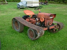PK W/Tracks uploaded in Power King / Economy: Older Economy Tractor with tracks. Yard Tractors, Small Tractors, Tractor Mower, Crawler Tractor, Old Farm Equipment, Lawn Equipment, Heavy Equipment, Antique Tractors, Vintage Tractors