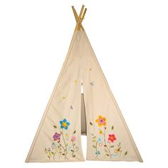 Flower Blossom Teepee - I want one for my office, and I don't even have kids. my cats would love it! ;)