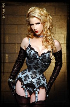 corset and incredible long leather gloves #LBG