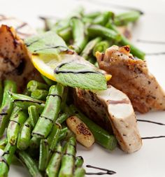 Roast Chicken on Steamed Greens Pictures Of Presents, Roast Chicken, Healthy Chef, Asparagus, Green Beans, Meals, Fresh, Vegetables, Delivery