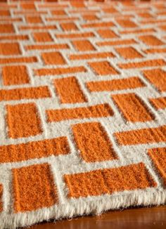 Material: Hand Woven 100% Wool Geometric patterns, vibrant colors and chic simplicity all collaborate to make the flat-weave Dhurry collection, Laguna. Made in India of 100% wool, Laguna utilizes a vi
