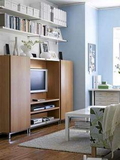 Tv skap med skyvedør – Materialvalg for baderomsmøbler