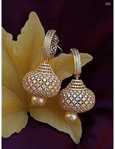 Adelgieses Schmuck Tagebuch The Effective Pictures We Offer You About beautiful jewelry ideas A qual Gold Jhumka Earrings, Indian Jewelry Earrings, Fancy Jewellery, Jewelry Design Earrings, Gold Earrings Designs, Bridal Jewelry, Jewlery, Golden Earrings, Diamond Earrings