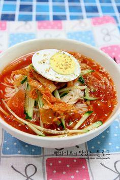 뻔와이프의 맛있는 블로그에 오신 것을 환영 합니다. 내일이 벌써 중복입니다. 위쪽 지방에 계신분들 계속... Spicy Recipes, Asian Recipes, Cooking Recipes, Healthy Recipes, K Food, Food Menu, Korean Street Food, Korean Food, Home Meals