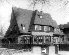 oude foto's Leeuwarden  De Harlingerstraatweg met Villa Zonneweelde in 1926