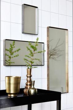 Miroir vintage laiton antique House Doctor Reflection 30 x 20 x 4 cm ; House Doctor, Bathroom Inspiration, Interior Inspiration, Spiegel Gold, Toilette Design, Brass Mirror, Antique Metal, Antique House, Or Antique