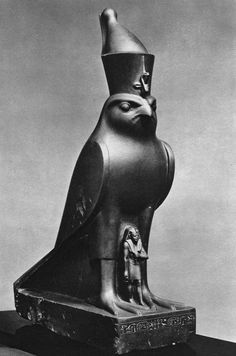 Statue of god Horus protecting king Nectanebo II. Late Period, Dynasty, ca. Now in the Metropolitan Museum of Art. Ancient Egypt Art, Old Egypt, Ancient History, Art History, Monuments, Egypt Tattoo, African Mythology, Egypt Museum, Statues